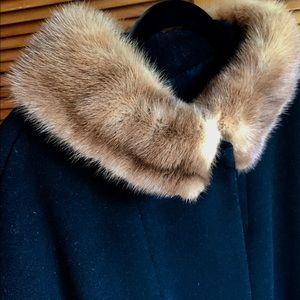 Vintage black 1960's coat with fur collar